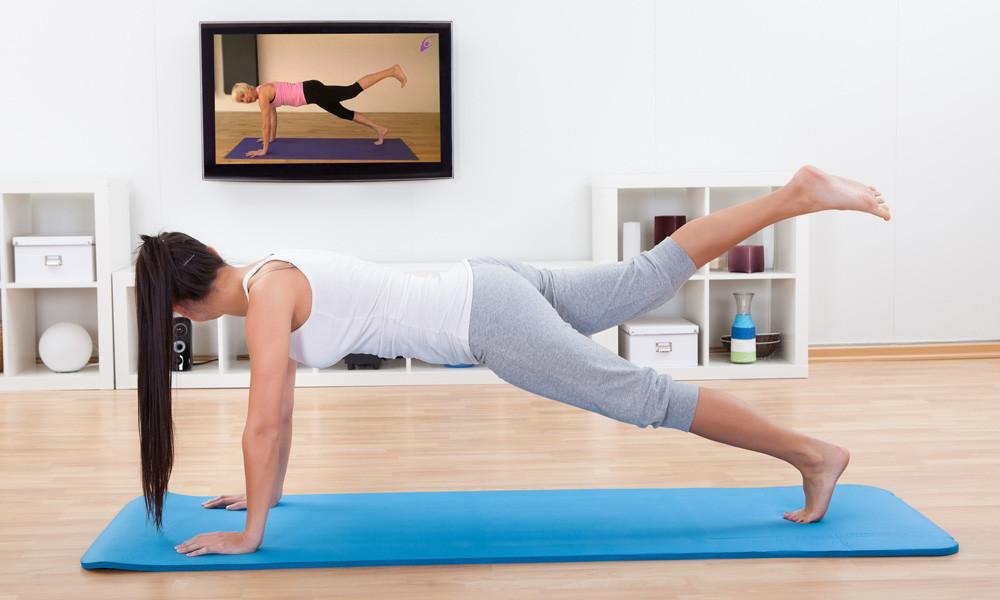 Online Pilates en Body Shape oefeningen met Christa